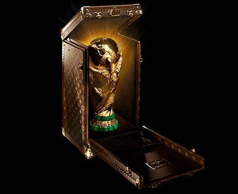 Louis-vuitton-fifa-trophy-travel-case-1